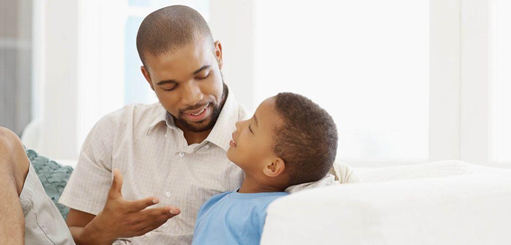 Resultado de imagem para pais conversando com os filhos
